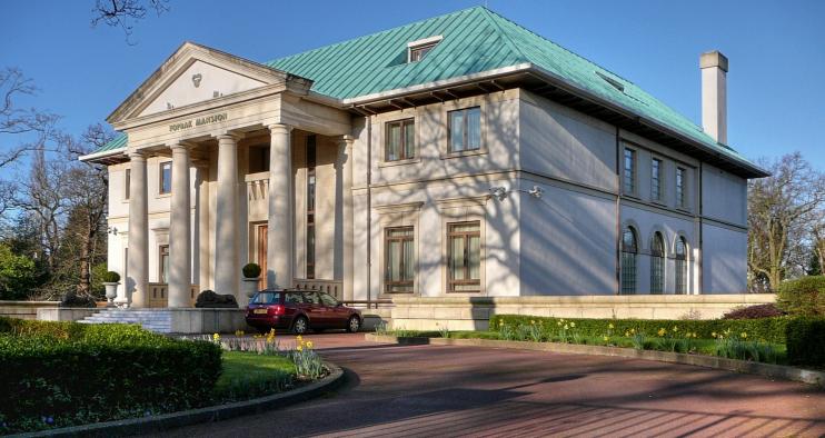 Royal Mansion, formerly Toprak Mansion