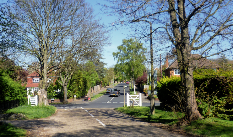 geograph-3934867-by-Marathon - Cuddington Way