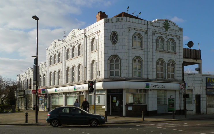 Lloyd's Bank, 3 Teignmouth Parade, Ewan Munro
