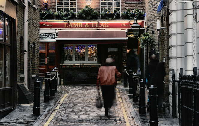 The frontage of the Lamb and Flag, seen from Garrick Street