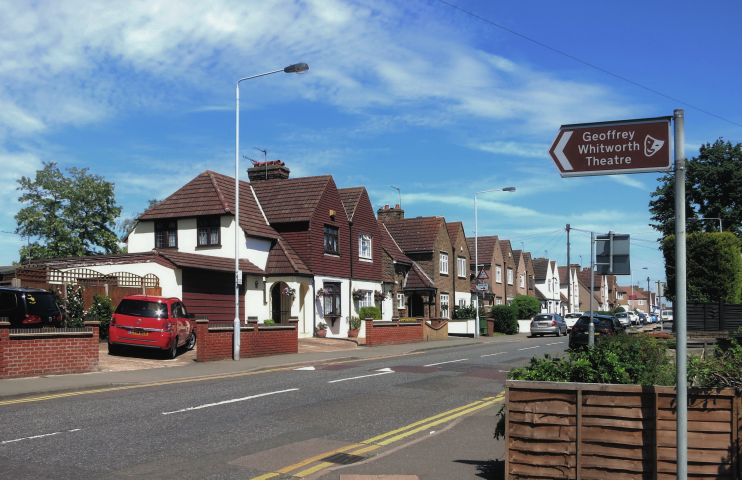 geograph-4518228-by-Des-Blenkinsopp - Crayford Way - Barnes Cray