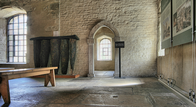 The second floor of the Jewel Tower