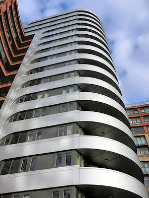 A high-rise shiny corner of Paddington Waterside