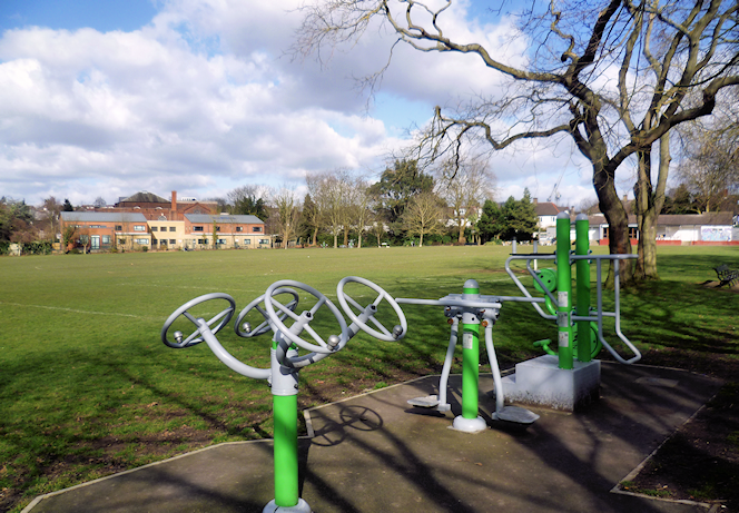 geograph-4372116-by-Marathon - In Childs Hill Park