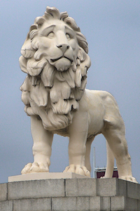 The South Bank Lion on a cloudy day