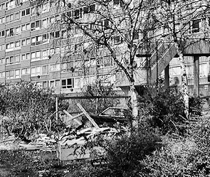 Walworth - Heygate estate, c.2004, looking derelict