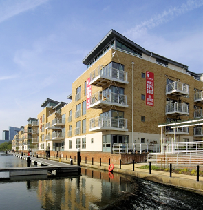 New homes at Brentford Lock