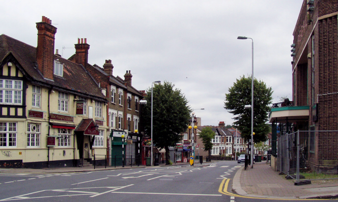 Hale End Road - geograph-2648022-by-Richard-Dunn