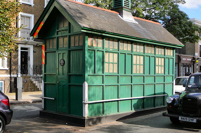 Kensington Park Road taximens shelter