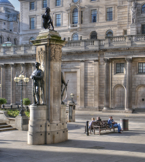 The Threadneedle Street frontage of the Bank of England, with the London Troops Memorial (First World War) in the foreground