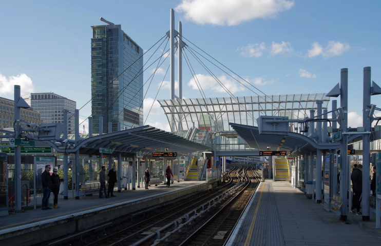 Looking west along the platforms at Poplar DLR station