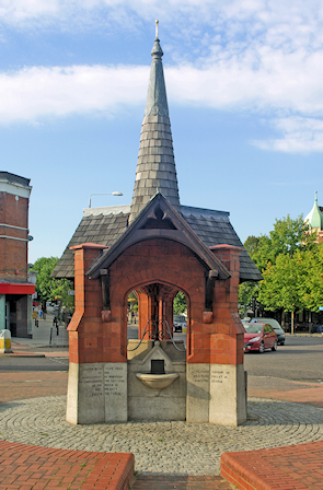 Drinking fountain, copyright Julian Osley