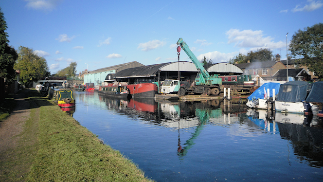 London Loop at Uxbridge Boat Yard - geograph-2749550-by-Des-Blenkinsopp
