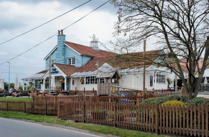 The Plough Public House - geograph-3034641-by-Phil-Gaskin
