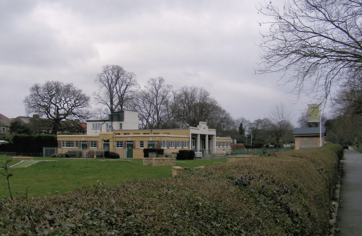 Pavilion at Sir Joseph Hood Memorial Playing Field - geograph-2290209-by-AGC