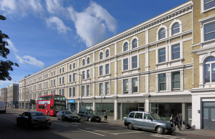 geograph-4684668-by-Des-Blenkinsopp - Fulham Road