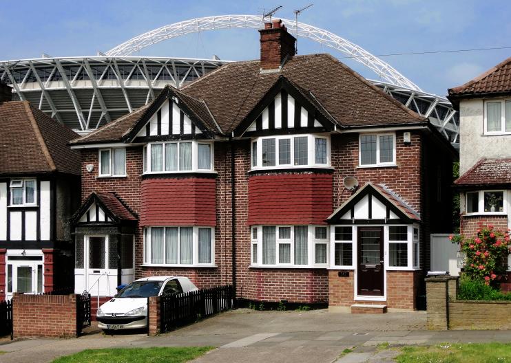 Neil Theasby - Oakington Manor Drive