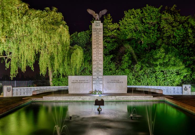 Hidden London: Polish War Memorial at Night by Dymo4