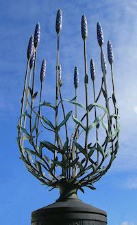 Hidden London: Lavender sculpture, Wallington crossroads