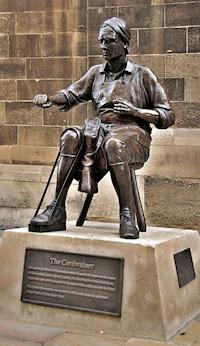 Hidden London: Cordwainer statue on Watling Street, photo by Eluveitie
