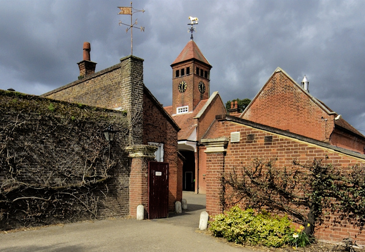 Hidden London: Capel Manor stables, Bulls Cross