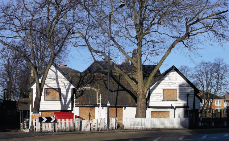 Hidden London: The abandoned Spotted Dog public house, David Anstiss