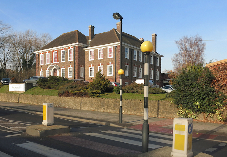 Hiden London: Lynwood House by Des Blenkinsopp