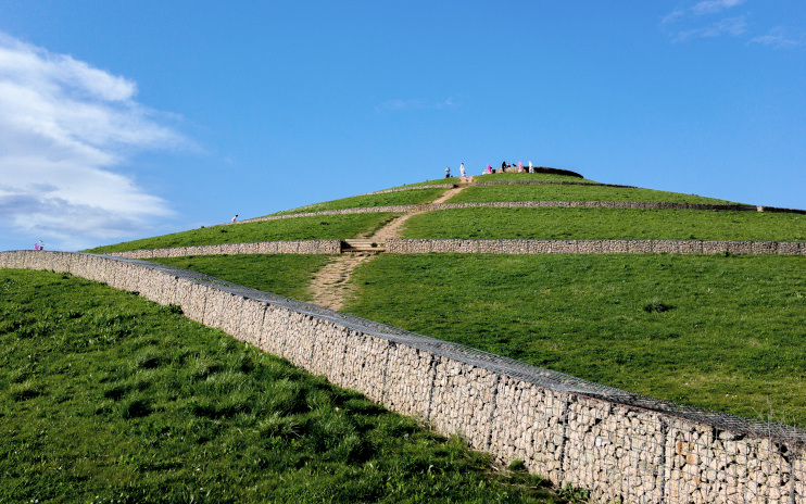 Hidden London: the main mound at Northala Fields by Brett Jordan